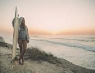 014-Surf-woman